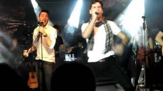 Andy & Lucas - Apareciste tu. Oviedo 2011
