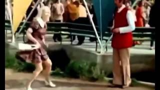Подборка танцев со старых российских фильмов времен СССР / Dancuju Vsie