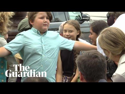 Klimastreik: Teenager-Bodyguard schützt Greta Thunberg und geht viral