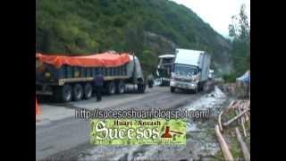 Repeat youtube video ANCASH. TRIPLE CHOQUE DE VEHICULOS.