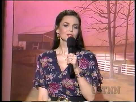 Crystal Gayle   Little things mean a lot