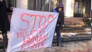 Protest: I-au refuzat cetățenia după 22 de ani trăiți în Moldova