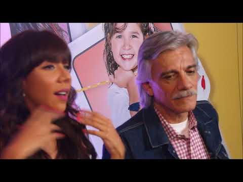 MICHELLE GONZALEZ Y JUAN CARLOS BARRETO PRESENTACION PAPA A TODA MADRE