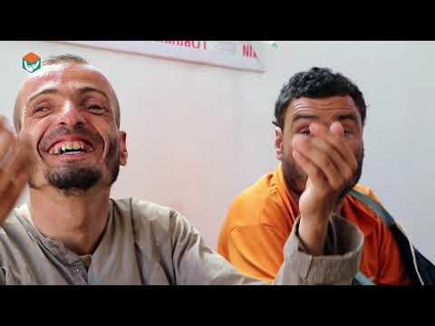 فرحة الخالة ام محمود وافراد اسرتها عند استبدال خيمتهم ببيت مفروش