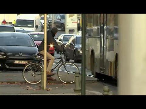 Bruselas se fija en los coches para reducir la contaminación