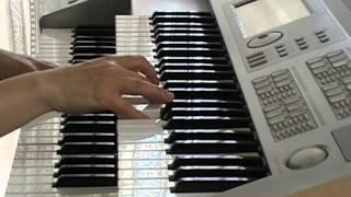 SMAPが歌う、NHK連続テレビ小説「梅ちゃん先生」の主題歌です.