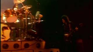 QUEEN - Don't Stop Me Now (live LONDON Hammersmith Odeon 26-12-1979)