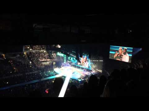 Taylor Swift New Romantics Live - Edmonton August 4th 2015