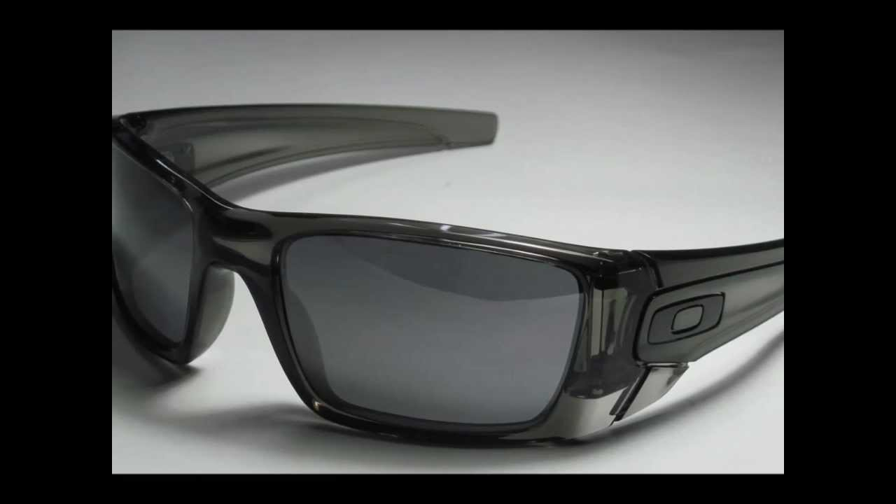 c9a289b9f67 Oakley Fuel Cell Grey Smoke With Black Iridium Lenses - YouTube