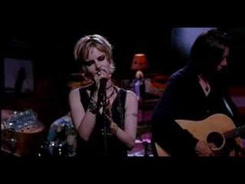 Jennifer Jason Leigh Sings Almost Blue