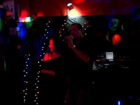 Stevie B & Nicola - Karaoke @ The Cavern - Perfect 10 duet!