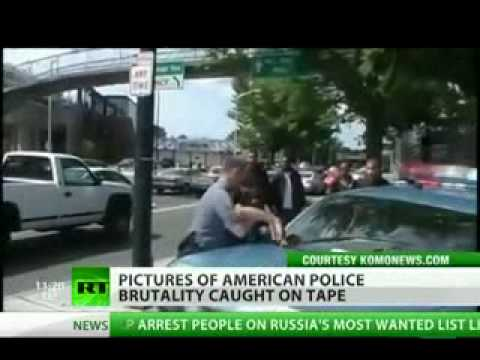 Seattle cop punches teen
