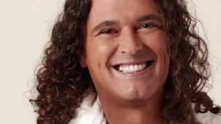 Watch Carlos Vives La Colegiala video