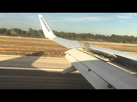 Ryanair Valencia landing