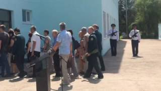 Митрополит Лонгин совершил обряд отпевания летчика Евгения Долгина