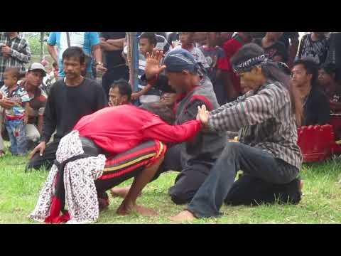 Mendeman Ebeg Wahyu Turonggo Kembar feat Satria Panumbang dan Sekar Arum Jagad di Pamijen Baturaden