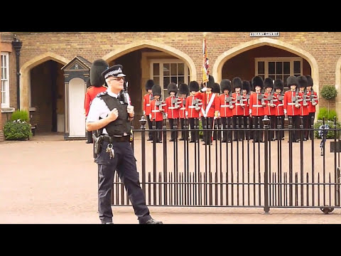 1 st  Battalion Irish Guards  and Drums & Pipes  1 st  Bn Irish Guards