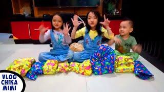 Buka Kado Ulang Tahun Mimi Ke 7 tahun