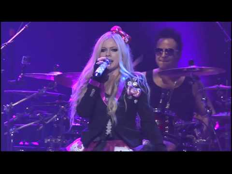 Avril Lavigne performs