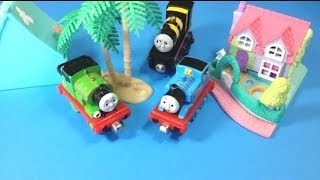 Thomas and Friends Trains Busy as a Bee James, Percy, Thomas on an Island Setting