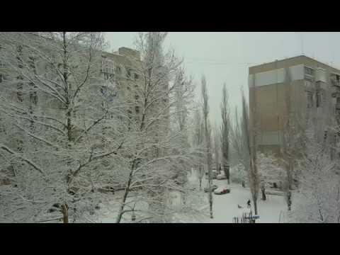 Крутой первый (второй) снег в городе Николаеве и мы опять без воды сидим