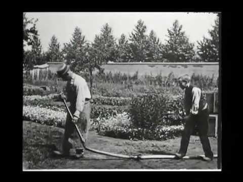 Tables Turned on The Gardener - L'Arroseur Arrose (Lumiere - 1895)