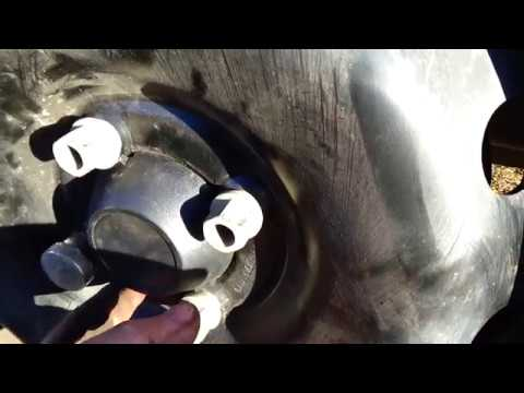 Колпак ступицы переднего колеса для Лада Веста.Установка