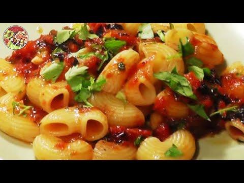 Паста в томатном соусе. Итальянская классика. Просто, вкусно, недорого.