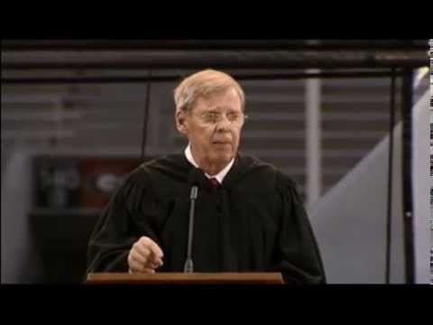 "Sen. Johnny Isakson Delivers ""Six Silent Secrets"" Commencement Address at UGA Graduation"