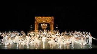 LE LAC DES CYGNES ( SWAN LAKE ) Tchaikovski