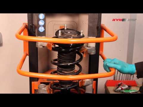 SUZUKI Grand Vitara FRONT Передние амортизаторы KYB установка