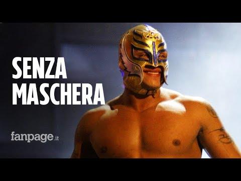 Rey Mysterio si mostra senza maschera: si avvicina il suo addio al wrestling?