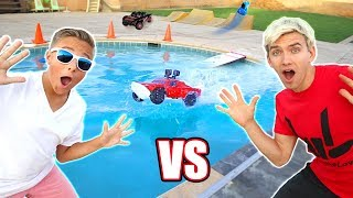 RC CAR DRIVING ON THE WATER POOL JUMP Adventure!!