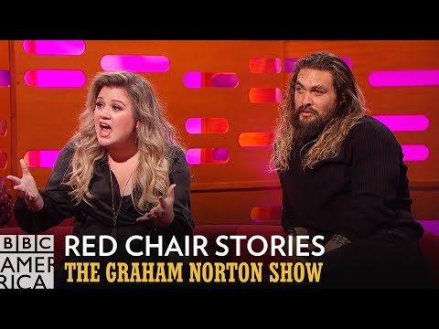 Download Youtube: Kelly Clarkson Is Offended By This Bizarre Red Chair Story - The Graham Norton Show