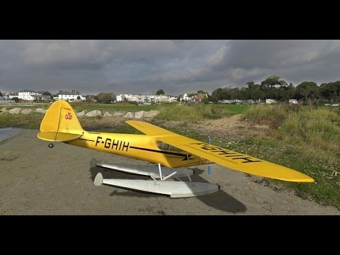 OUTTAKES gestrandet J3 Piper Cub on the Lake funny RC Phoenix