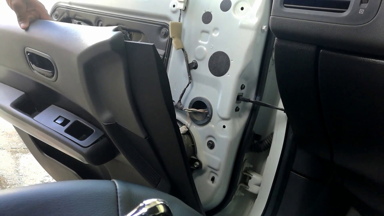 How To Open The Front Door Panel Of Nissan Xtrail T31