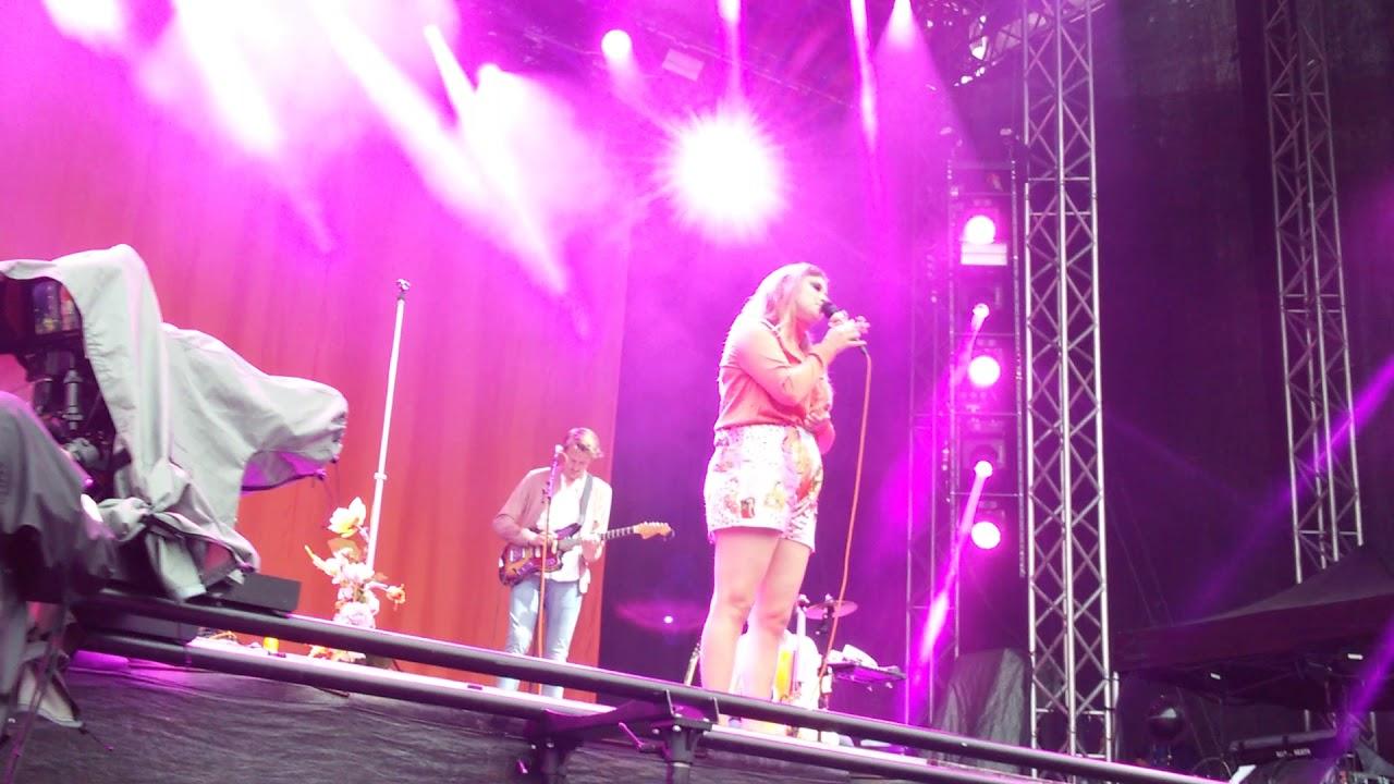 Linnea Henriksson - Ingen annan (Ny låt) + Mellansnack LIVE Malmöfestivalen  2017-08-18 f3e1921461ae6