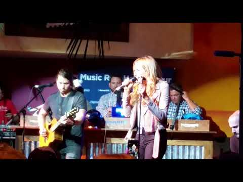 Carly Pearce at margaritaville for SiriusXM  music row happy hour