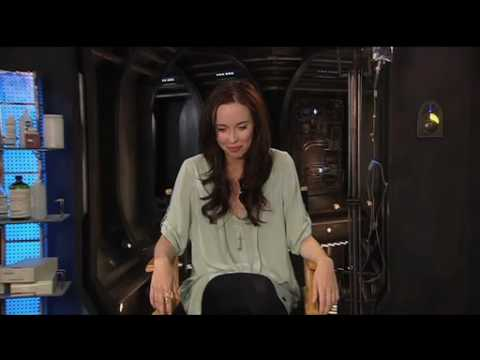 Stargate Universe star Elyse Levesque