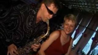 Выступление саксофониста на свадьбе, услуги саксофониста, саксофонист на мероприятие, саксофонист на фуршет, www alexgoldensax ru sax2