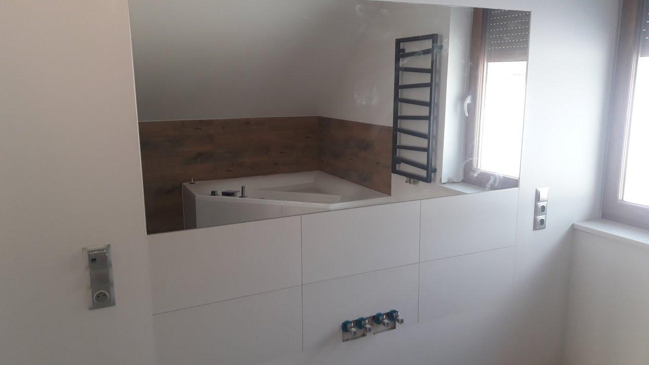 łazienka Na Poddaszu Duża Wanna Duże Lustro Bathroom Tiles Fliesen