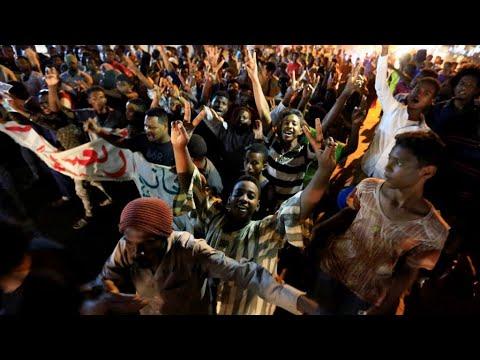 السودان: قتيل في مواجهات بين متظاهرين وعناصر أمن في جنوب شرق البلاد  - 13:56-2019 / 7 / 15