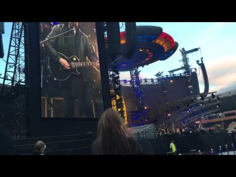 ELO - Handle Me With Care by Traveling Wilbury Jeff Lynne Hull England July 1