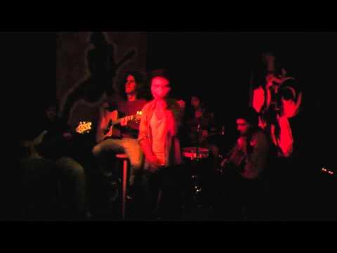 """Evora @ """"Café em sol maior"""" - ( Ao vivo e acústico no Kabul )"""