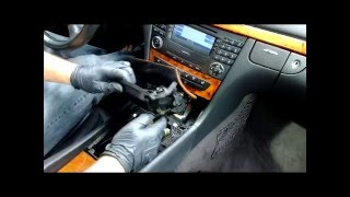 how to remove comand stereo radio navi from a e class w211 e320 e500 e350