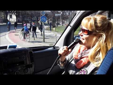 private Berlin Stadtrundfahrt: Berlin bei Tag & Nacht individuell mit Kerstin Bürger erleben