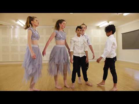 Diamonds Troupe - Bom Funk Dance Studio