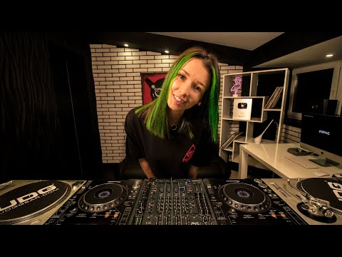 Miss Monique - MiMo Weekly Podcast 017 [Progressive House/Melodic Techno DJ Mix]