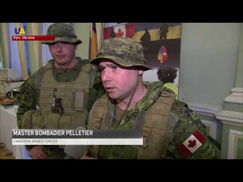 Canadian Soldiers Training Ukrainian Military Showcase Guns And  Equipment