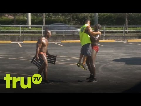 South Beach Tow  Attack Of The Bodybuilders